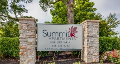 Summit Apartments Photo 1