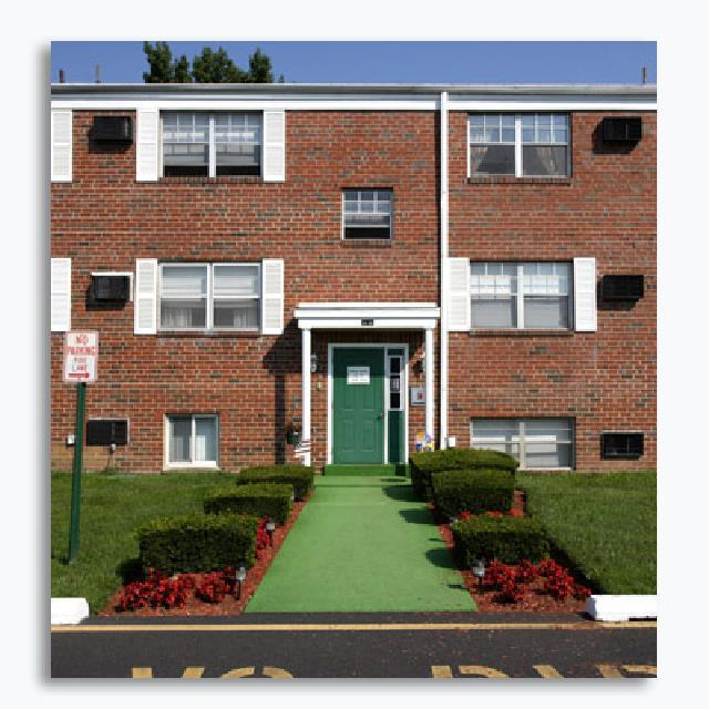 Look For Apartments Online: Longview Garden Apartments At 1501 Woodbourne Road