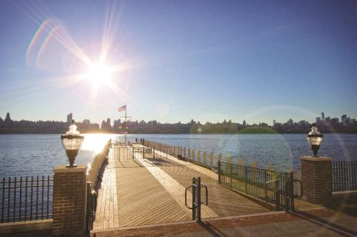 The View At Edgewater Harbor Photo 1