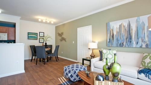 Indigo Pointe Apartments Photo 1