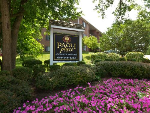 Paoli Place Apartments and Townhomes Photo 1