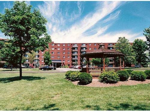Chestnut Lake Apartments Photo 1