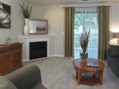Berkley Manor Apartments Photo 1