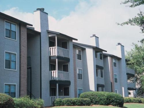 Lincoln Hills Apartments Photo 1