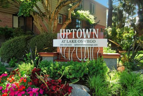 Uptown at Lake Oswego Photo 1