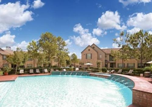 Chartwell Court Apartments Photo 1