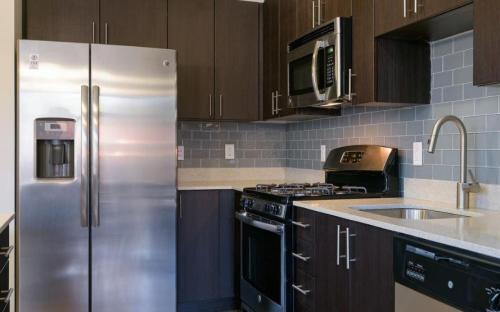 7001 Arlington at Bethesda Apartments Photo 1