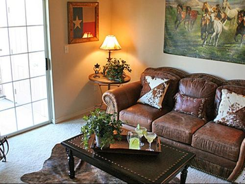 The Residence at Central Texas Marketplace Photo 1
