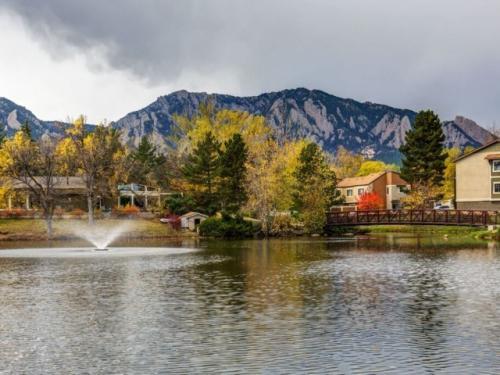 Tantra Lake Apartments Photo 1