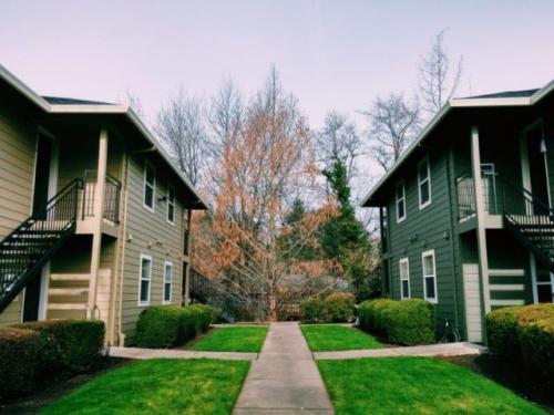 5817 SW Beaverton Hillsdale Hwy Photo 1