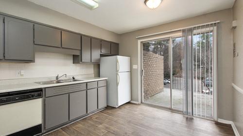 Alturas Embry Hills Apartment Homes Photo 1
