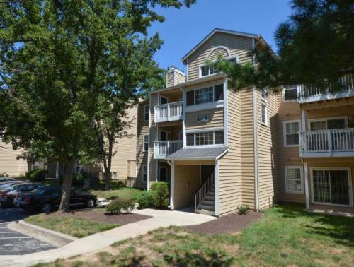 Spring House Apartments Photo 1