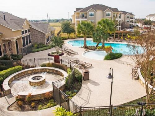 Lakeland Estates Apartment Homes Photo 1