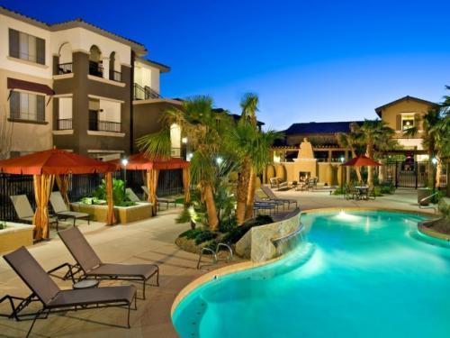 Lunaire Apartments Photo 1