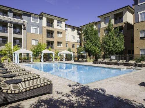 Presidio Apartments Photo 1