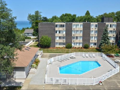 Westview Apartments Photo 1
