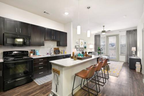 Villas on the Hill Apartments Photo 1