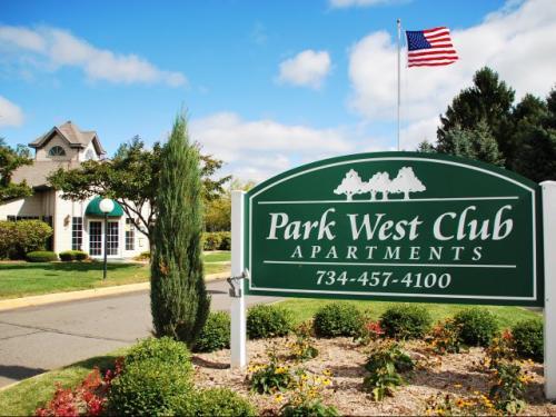 1621 Park West Drive Photo 1