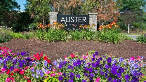 Alister Quincy Photo 1