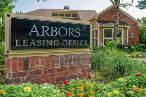 Arbors of Brentwood Photo 1