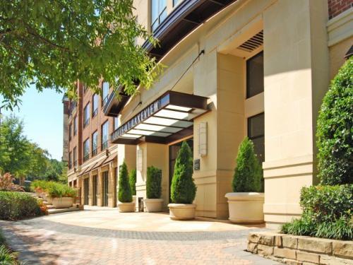 Lofts at Lakeview Photo 1