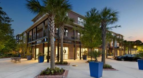 Central Square at Watermark Apartments Photo 1