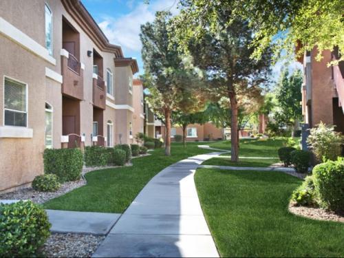 Parkside Villas Apartment Homes Photo 1