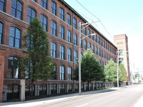 75 S Union Street Photo 1