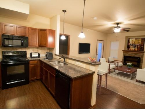 Prairie Lakes Apartments Photo 1