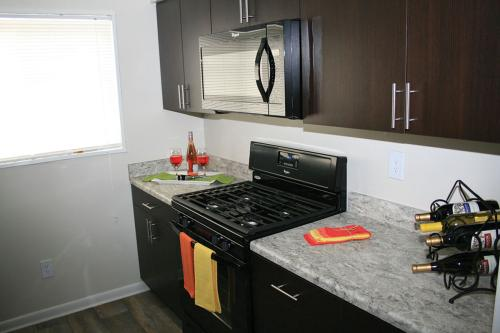 Mount Vernon Square Apartments Photo 1