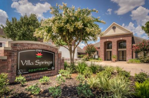 Villa Springs Photo 1