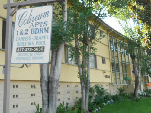 Coliseum Apartments Photo 1