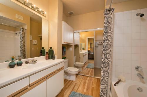 Apartments for Rent in Greater Uptown, Houston, TX - From $757 ...