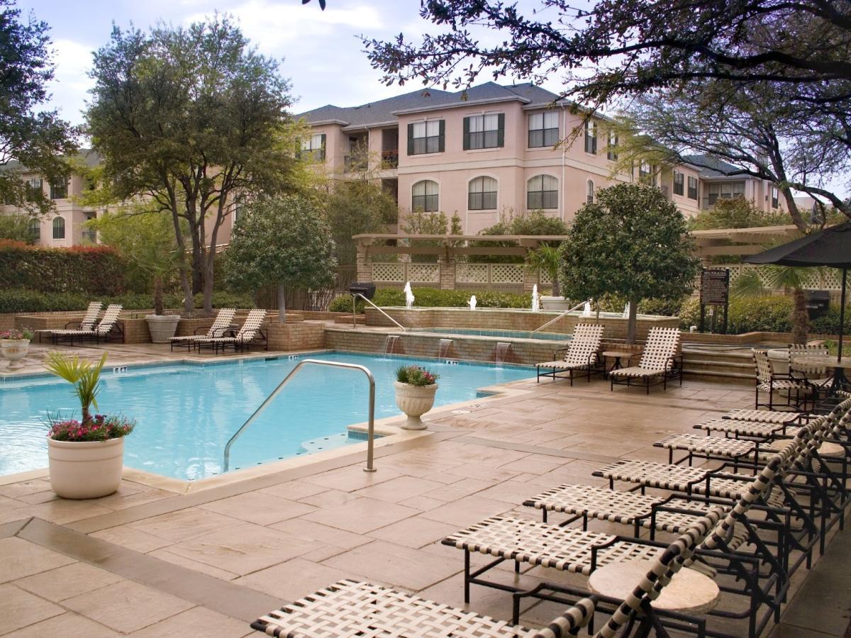 Oak Lawn Apartments For Sale