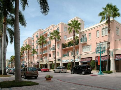 Mizner Park Apartments Photo 1