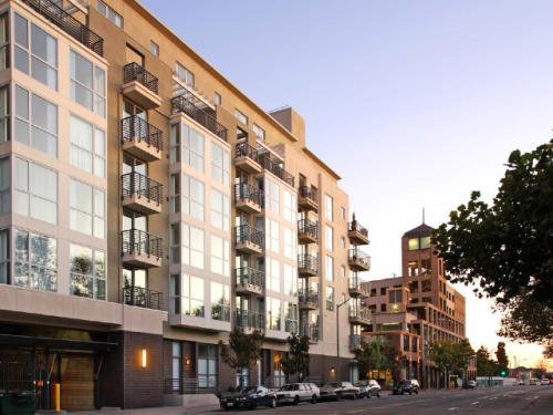 Domain Oakland Photo 1