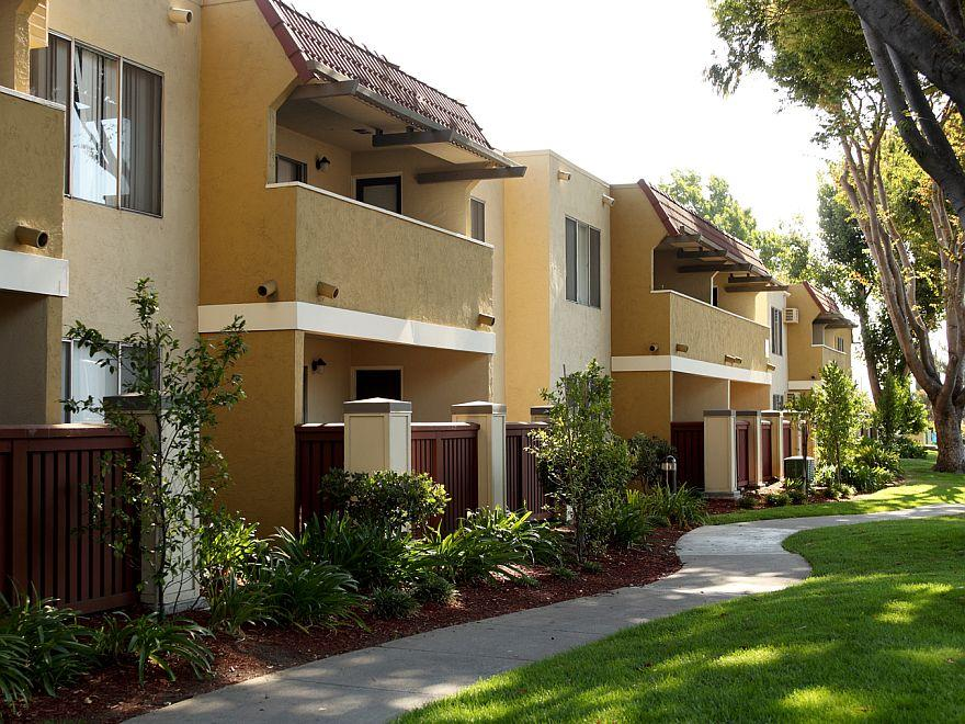 Casa Verde Apartments At 2050 Mckee Road, San Jose, CA 95116 | HotPads