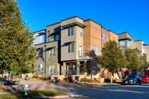Uptown Broadway Apartments Photo 1