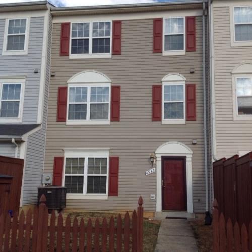 4913 Edgeware Terrace Photo 1