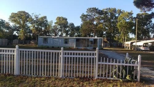 9510 Bud Street Photo 1