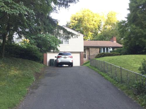 1380 Glenbrook Road Photo 1