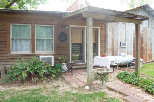 15804 Pea Patch Road Photo 1