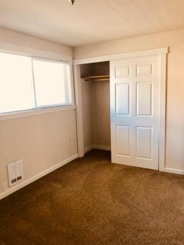 2 bed, 1.0 bath, 865 sqft, $1,495 Photo 1