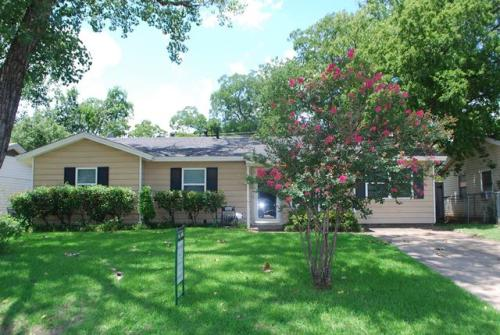 815 Milam Drive Photo 1