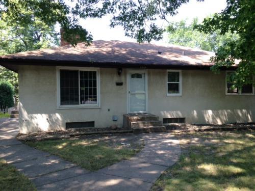 4554 6th Street NE Photo 1