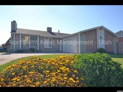 1505 N Heather Dr Photo 1