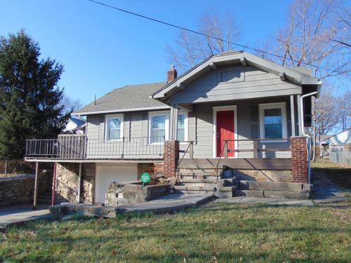 3718 N Garfield Avenue Photo 1