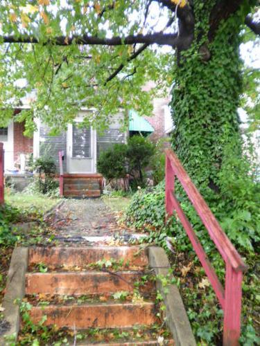606 Washburn Avenue Photo 1