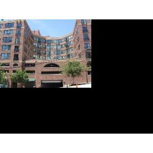 115 W Peachtree Place Photo 1