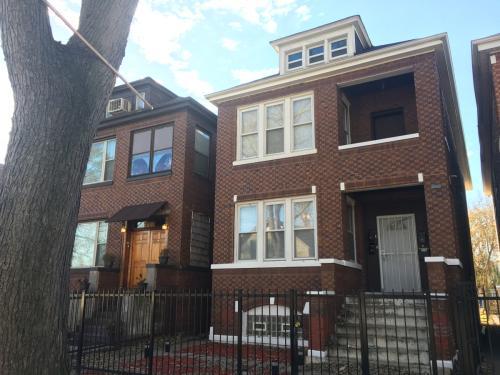 6838 S Maplewood Avenue Photo 1